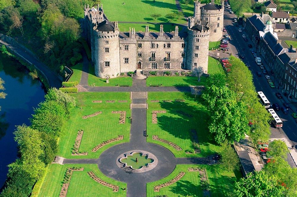Outdoor Kilkenny Castle Parklands 06