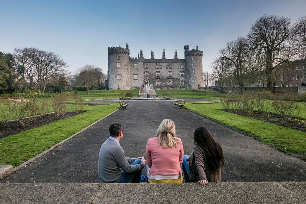 Outdoor Kilkenny Castle Parklands 07