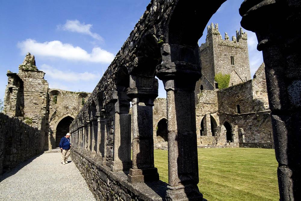 Outdoor Kilkenny Jerpoint Abbey 04