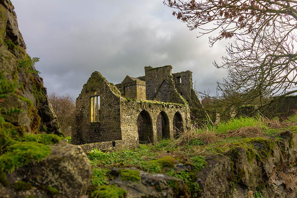 Outdoor Kilkenny Kells Priory 02